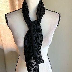 Jacklyn Smith floral velvet scarf